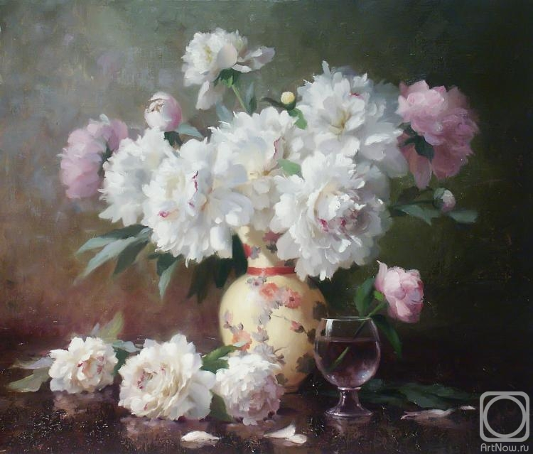 Николаев Юрий. Белые пионы