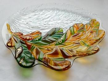 "A great dish for fruit ""beginning of winter"" fusing glass. Repina Elena"