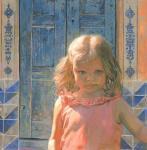 Мила на фоне голубой двери