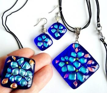 "Jewelry set ""Blue"" glass fusing (Fusing Jewelry). Repina Elena"