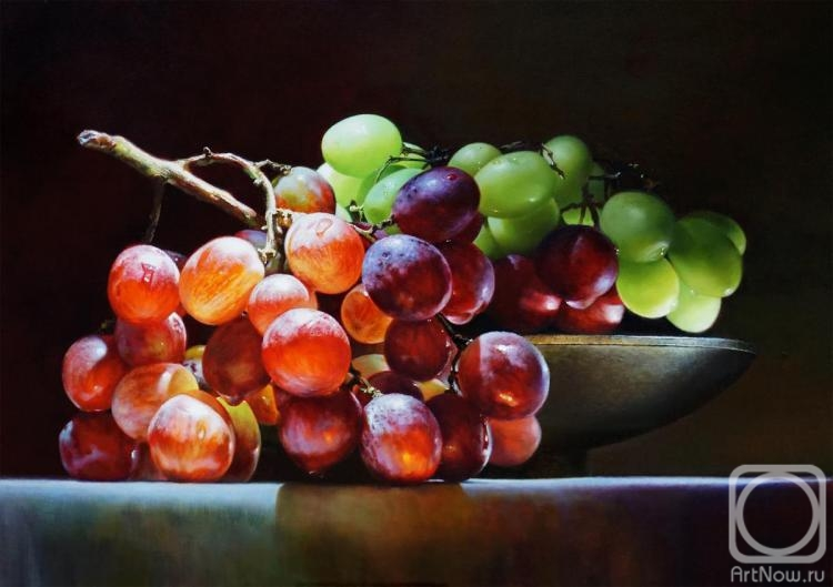 Grechina Anna. Grapes and light