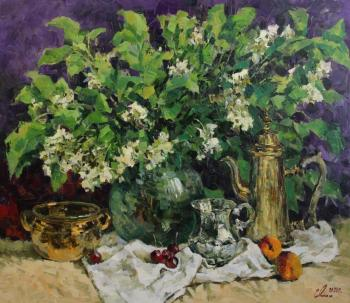 A bouquet of bird-cherry flowers (Ware). Malykh Evgeny