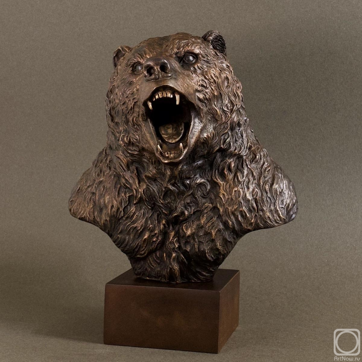 Tretiakov Denis. Bear