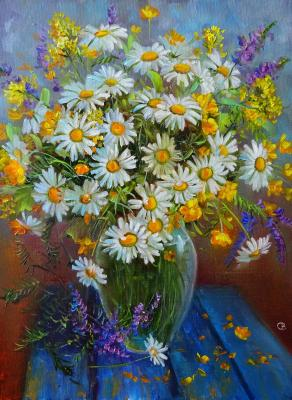 Daisies on a blue table. Razumova Svetlana