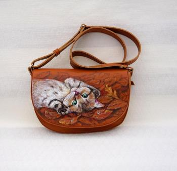 "Leather bag with painting "" Kitten in leaves"". Zarechnova Yulia"