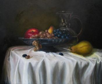 A bowl of fruit. Fomina Lyudmila