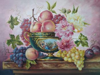 Peaches and grapes. Novickiy Gennadiy