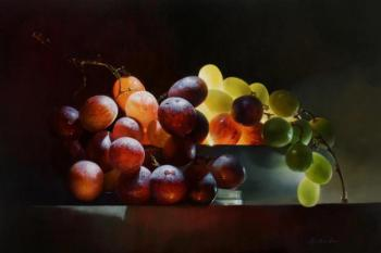 "Still life with grapes ""Shining"". Grechina Anna"