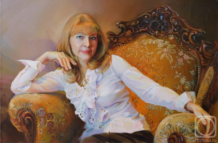 женщина в кресле фото