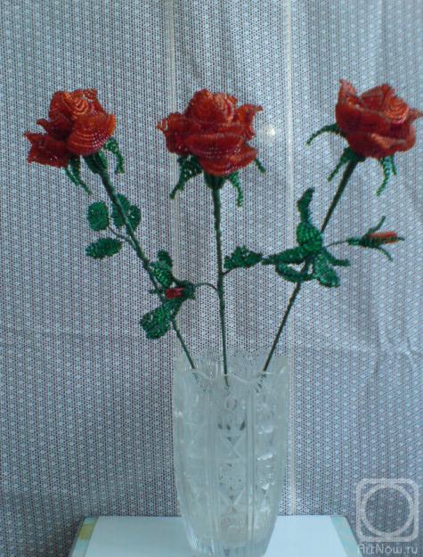 Усенко Екатерина.  Розы из бисера.
