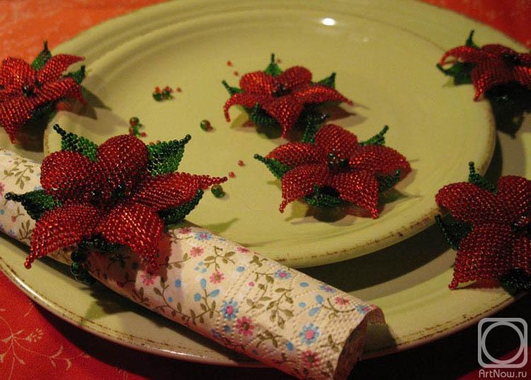 Кольца для салфеток придадут праздничности любому столу.  Бисер, чешские бусины/плетение.  Следующая.