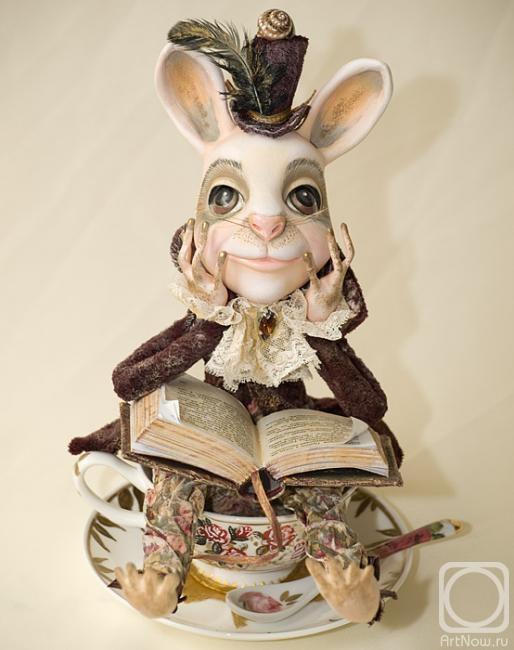 Соколова Надежда. Белый кролик (ракурс)
