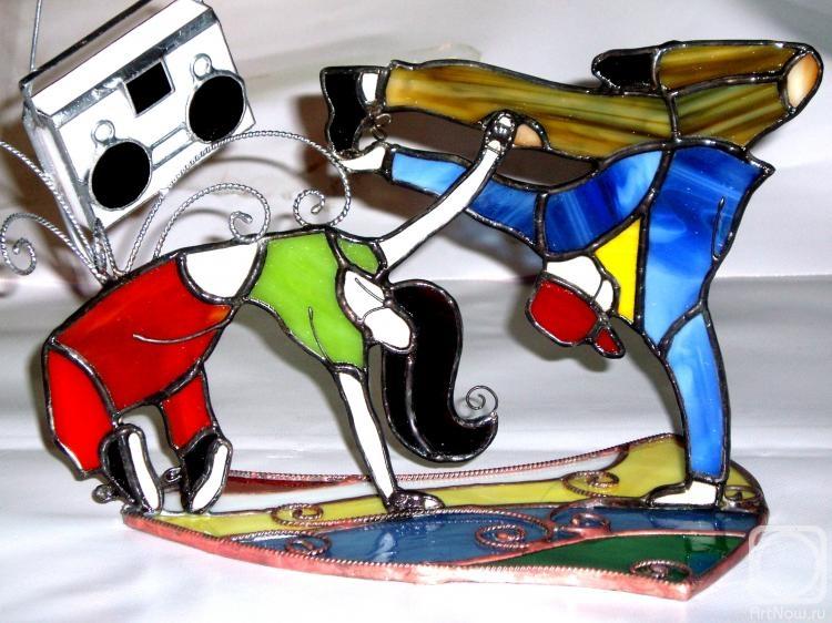 """Макопух Руслан. Витражный декор""""Энергия молодости ,выраженная в танце"""""""