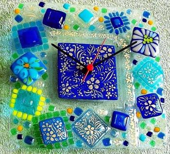 "Wall clock ""Piece of ice"" glass, fusing. Repina Elena"