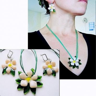 "Jewelry Set ""sakura"" glass, fusing. Repina Elena"