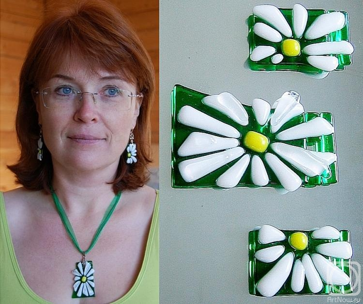 "Repina Elena. Jewelry Set ""Camomile"" glass, fusing"